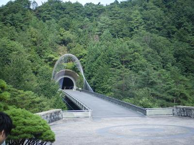 滋賀県にある MIHO MUSEUM13