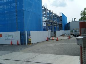 愛知県小牧市の工場建替え、鉄骨建て方