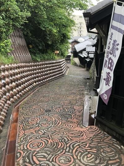常滑散策、愛知県、土管坂、陶器の廃材利用